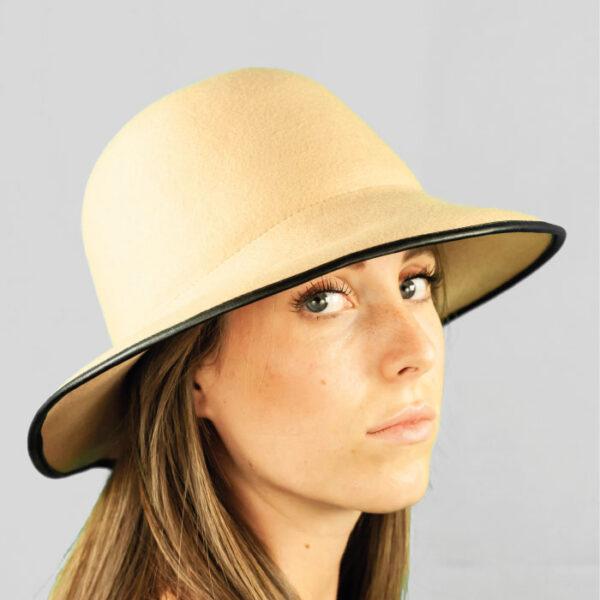 Cappello Cloche Arrotolabile in Feltro di Lana con Profilo in Simil Pelle