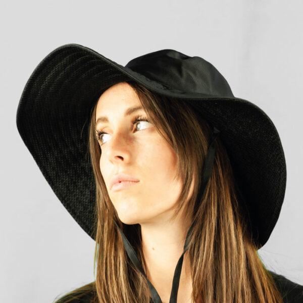 Cappello Drop in Tessuto Impermeabile e Laccio Regolabile Sottogola