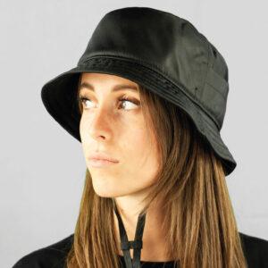 Cappello Bucket in Tessuto Impermeabile con Sottoala in Rete Tecnica