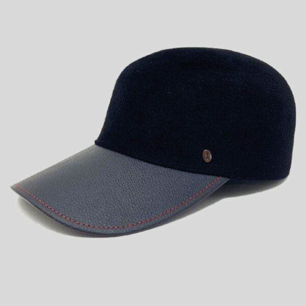Cappello da Baseball in Feltro Velour con Visiera e Laccio Regolatore in Pelle Modello Hof