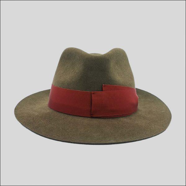 Cappello Drop marrone e cinta rossa