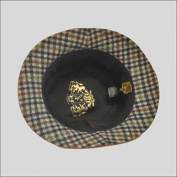 Interno cappello bucket con sotto ala in check