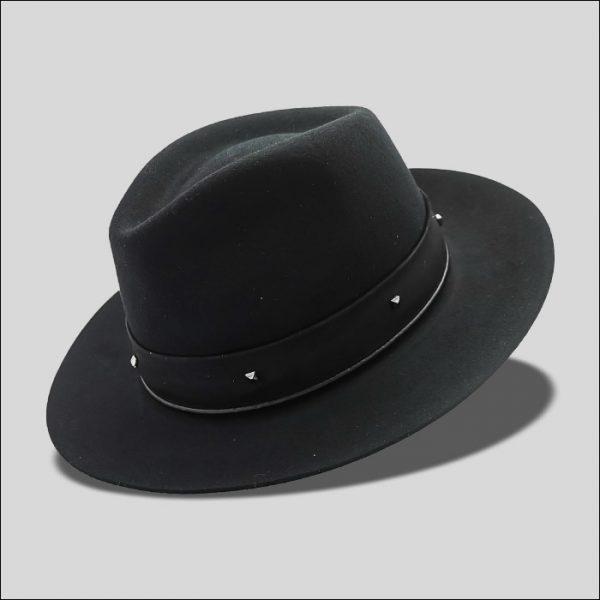 Cappello Drop ala media con cinta simil suede e borchie modello Tobar