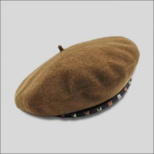 Cappello Basco in Feltro di Lana con borchie modello Turenne