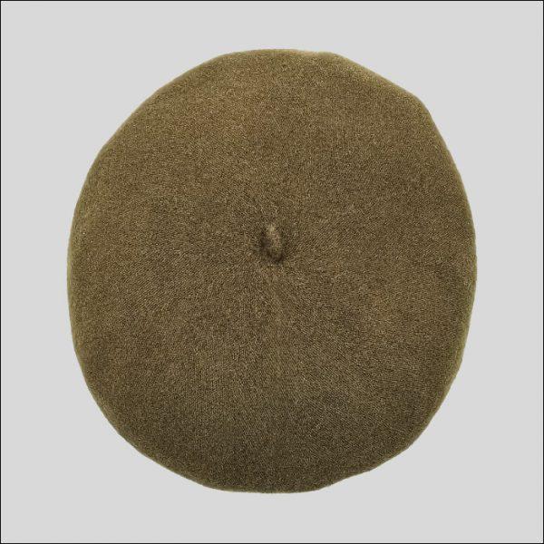 Basco marrone di lana infeltrita